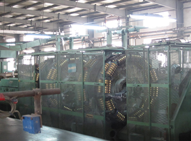 Hydraulic Hose - Wire Braiding Machine