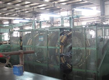 Hydraulic Hose - Wire Braiding Machine